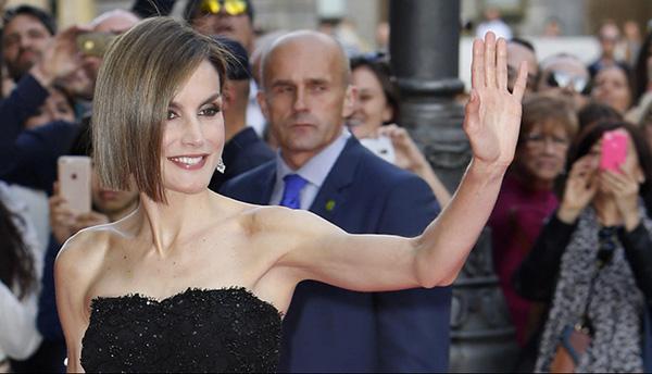 Doña Letizia, a su llegada al Casino de Madrid, donde se celebraron los Premios Women