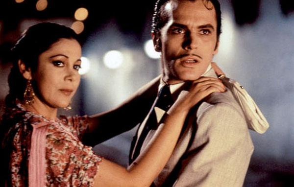 Isabel Pantoja y José Coronado en 'Yo soy esa', 1990