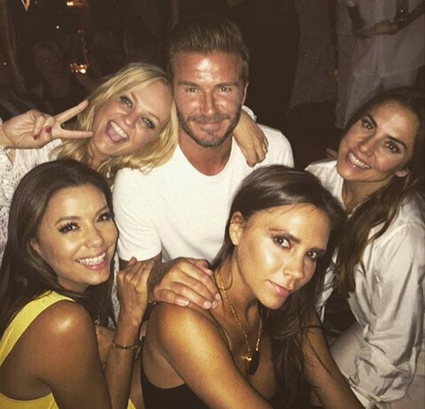 David Beckham con  Emma Bunton, Eva Longoria, Victoria Beckham and Melanie Chisholm. © IG @davidbeckham