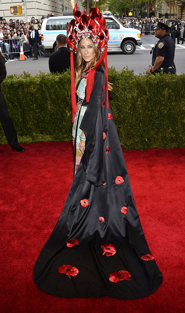 La ganadora de la noche al vestido más imposible de todos: Sarah Jessica Parker. Es un diseño suyo by H&M