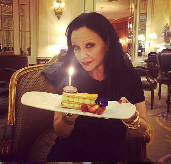 Alaska, comida precumpleaños en el Ritz. Foto: @alaskaoficial