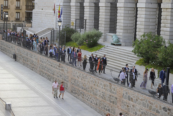 Invitados llegando al Álcazar de Toledo, donde tuvo lugar el enlace. © Gtres