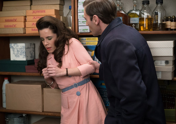 Escena de los personajes de Juan y Clara, en la teleserie 'Amar es para siempre'. Imagen Antena3.