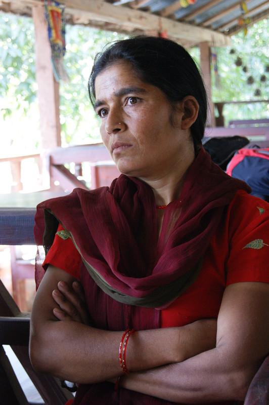 Ganga Parajuli, de 35 años, es una mujer sin tierra del distrito de Bhaktapur. Imagen: Oxfam Internacional.