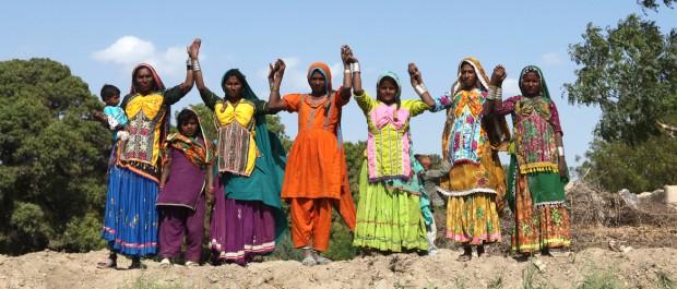 Mujeres y niñas de Pakistán comprometidas en la defensa de sus derechos. Imagen de Irina Werning / Oxfam