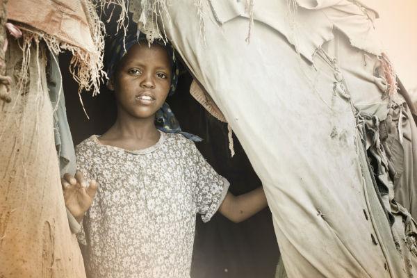 Las mujeres y las niñas sufren especialmente los efectos del cambio climático. Imagen: Getty Images.