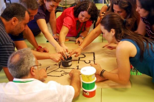 Profesores colaborando en un encuentro de educación transformadora en Andalucía. Imagen: Oxfam Intermón.