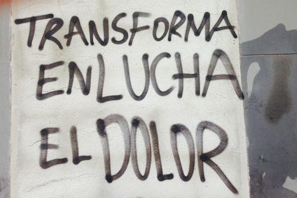 'Transforma en lucha tu dolor', pintada en una calle de Madrid. Imagen de Belén de la Banda.