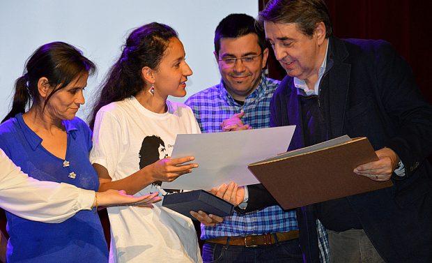 Berta Zúñiga Cáceres recibe el premio Joan Alsina en Barcelona esta semana. ©Casa Amèrica Catalunya/Cristina Rius.