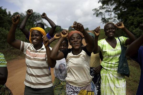 Las mujeres rurales africanas se han organizado para marchar hasta la cima del Kilimanjaro y reclamar sus derechos. Imagen: Oxfam.