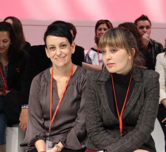 Cris Papin, con una compañera de partido. Imagen de Nuria Coronado.