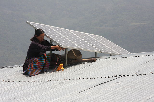 Proyecto de energías limpias en Bhutan. Imagen: Asian Development Bank.