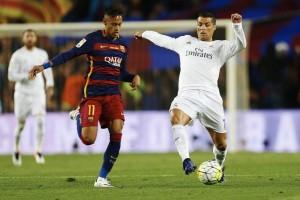 Cristiano y Neymar en el clásico