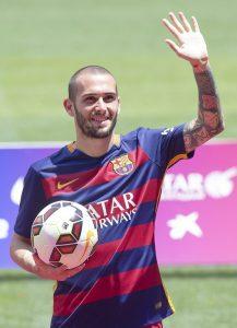 Aleix Vidal, en su presentación con el Barça. (EFE/ARCHIVO)