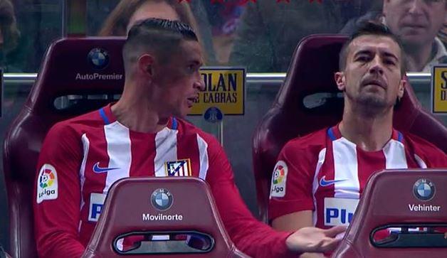 Torres, con Gabi tras ser ambos sustituidos (Captura de pantalla, Movistar Plus).