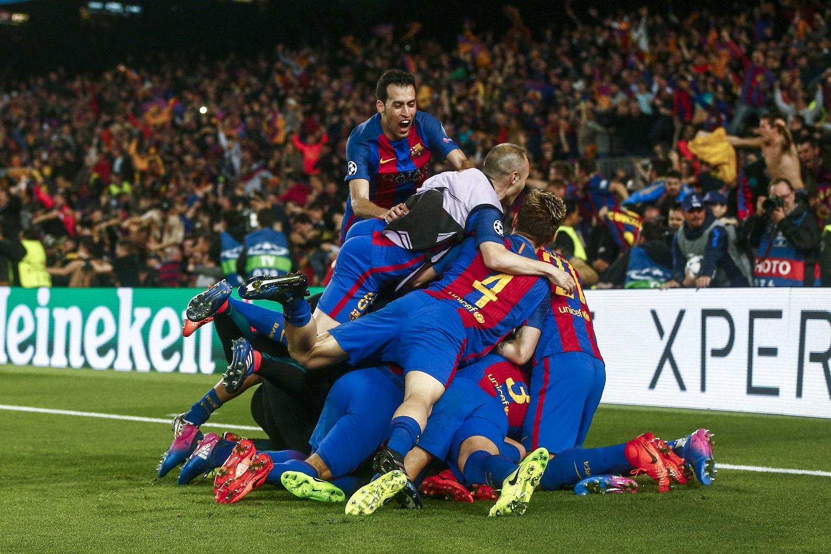 Los jugadores del Barça celebran un gol. (EFE)