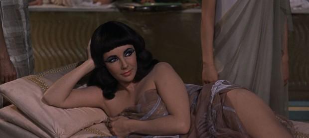 CleopatraLoungesBaja