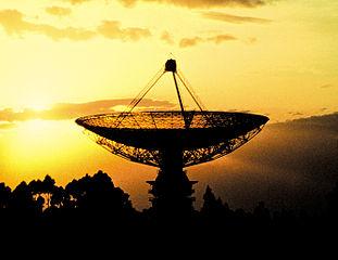 El radiotelescopio Parkes, en Australia. Imagen de CSIRO / Wikipedia.
