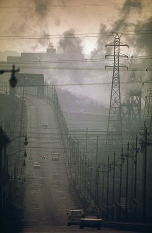 Contaminación ambiental en EEUU. Imagen de U.S. National Archives and Records Administration / Wikipedia.