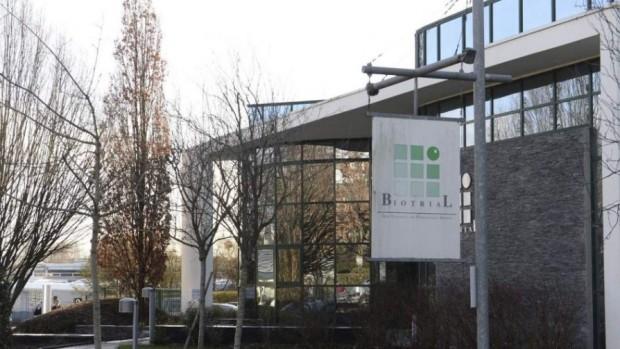 Sede en Rennes de Biotrial, el contratista de ensayos clínicos encargado del estudio. Imagen de Thomas Bregardis / EFE.