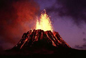 El CO2 regresa a la atmósfera por los volcanes. Foto del Kilauea, en Hawái. Imagen de Wikipedia.