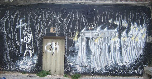 Graffiti de la Santa Compaña en Pontevedra. Imagen de Wikipedia.