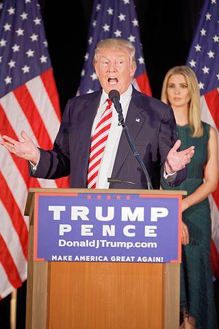 Donald Trump, durante la campaña presidencial de 2016. Imagen de Wikipedia.