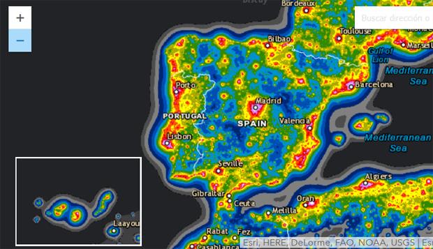 Contaminación lumínica en España. Las regiones más oscuras corresponden a cielos más limpios. Imagen del Atlas de Contaminación Lumínica de Falchi et al, tomada de http://cires.colorado.edu/artificial-sky.