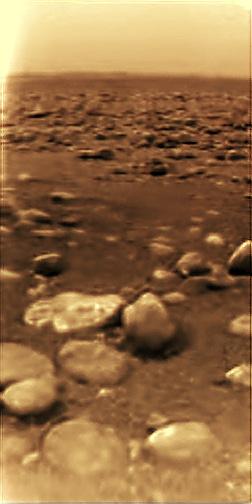 Imagen de la superficie de Titán tomada por la sonda Huygens. ESA/NASA/JPL/University of Arizona.