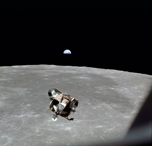 El módulo lunar 'Eagle' del Apolo 11, tras despegar con éxito de la Luna. Imagen de NASA.