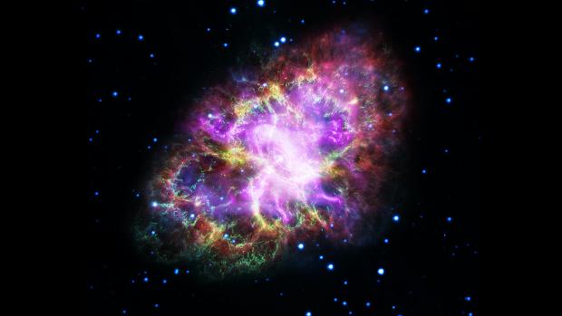 Nueva imagen de la Nebulosa del Cangrejo. Imagen de NASA, ESA, G. Dubner (IAFE, CONICET-University of Buenos Aires) et al.; A. Loll et al.; T. Temim et al.; F. Seward et al.; VLA/NRAO/AUI/NSF; Chandra/CXC; Spitzer/JPL-Caltech; XMM-Newton/ESA; y Hubble/STScI.