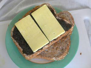 Por poderse, se puede tomar también con queso. Imagen de Wikipedia.
