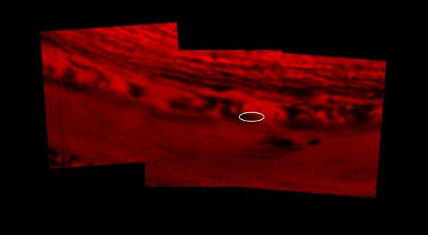 Imagen térmica de infrarrojos de Saturno tomada por Cassini el 14 de septiembre de 2017. Imagen de NASA/JPL-Caltech/Space Science Institute.