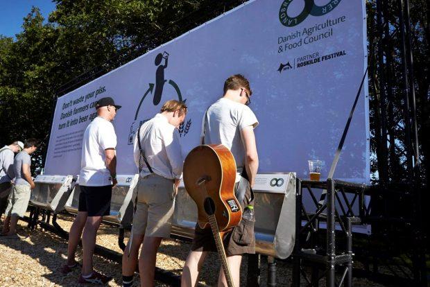 Asistentes al Festival de Roskilde en 2015, contribuyendo al proyecto. Imagen de Beercycling.