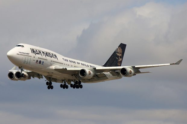 Ed Force One, el avión de Iron Maiden (pilotado por su vocalista, Bruce Dickinson). Imagen de Flickr / BriYYZ / CC.