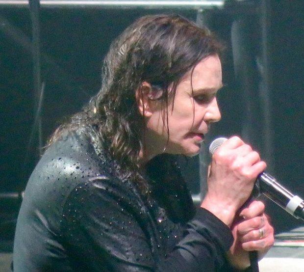 Ozzy Osbourne durante el último concierto de Black Sabbath hasta hoy, en febrero de 2017 en Birmingham. Imagen de Wikipedia / Egghead06.