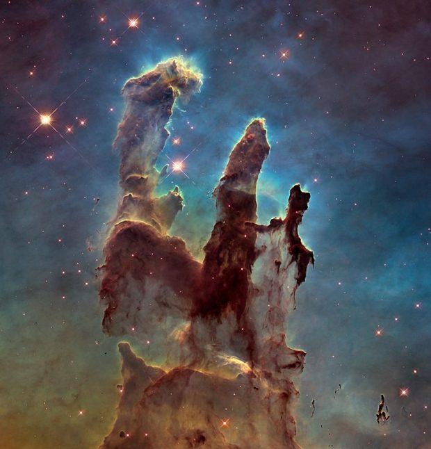Los pilares de la creación, imagen tomada por el telescopio espacial Hubble en 2014. Imagen de NASA, ESA y Hubble Heritage Team (STScI/AURA).