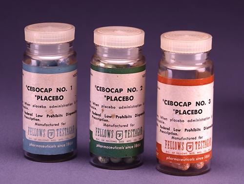 Placebos de prescripción empleados en clínica e investigación. Imagen del gobierno de EEUU / Wikipedia.