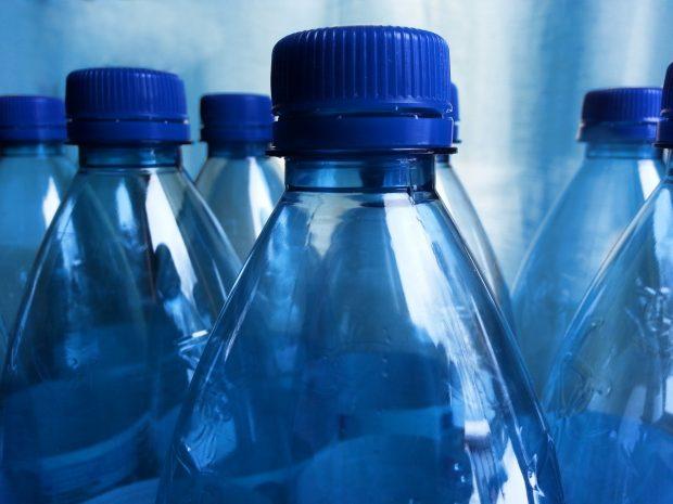 Botellas de plástico. Imagen de Needpix.com.