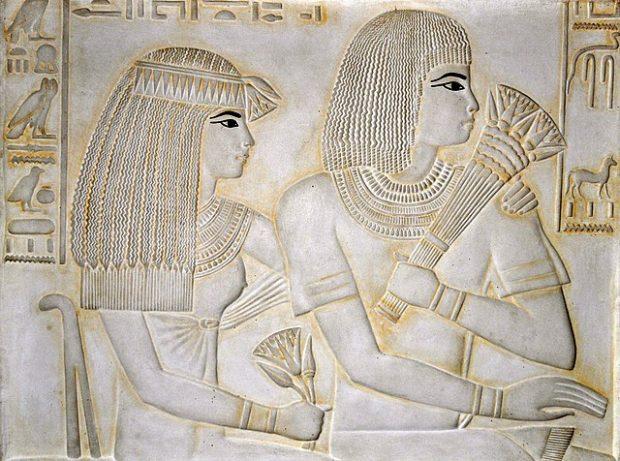 Merit Ptah y su esposo Ramose, en la tumba TT55 del Valle de los Reyes. Imagen de Stzeman / Wikipedia.