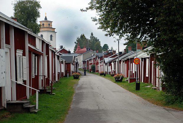 La aldea-iglesia de Gammelstad, Patrimonio de la Humanidad, sin visitantes. Imagen de Javier Yanes.