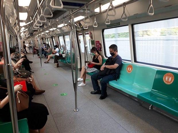 Una imagen del metro de Singapur en mayo de 2020, durante la pandemia de COVID-19. Imagen de zhenkang / Wikipedia.
