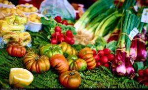El hábito de mantener una dieta equilibrada, baja en grasas, protege frente al deterioro cognitivo. / Moyan Brenn. Flickr