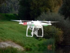 quadrocopter-451751_640