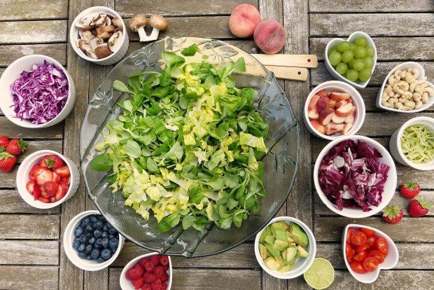 Los alimentos ricos en fibra son los que nos aportan más componentes prebióticos.