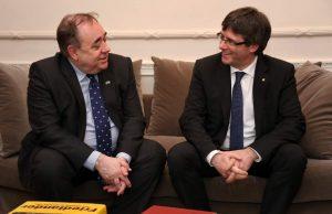 Puigdemont con el ex primer ministro escocés, Salmond