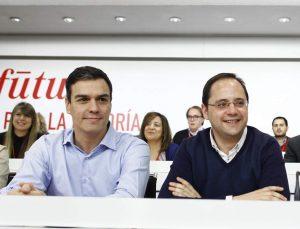 Pedro Sánchez con su número dos, César Luena