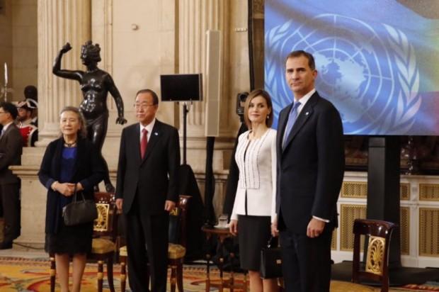 Ban Ki-moon, Secretario General de Naciones Unidas, junto a su esposa y sus majestades los Reyes.