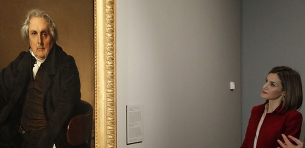 La Reina contempla el retrato de Louis François Bertin, obra de Ingres