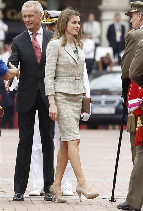 El traje de chaqueta lo estrenó en 2012 en el acto de las Fuerzas Armadas en Valladolid
